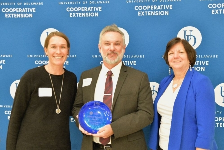 Delaware Center for Horticulture receives a Friend of Extension Award