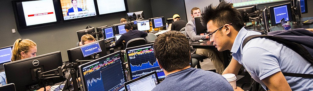 Students using the trading center in Purnell Hall.