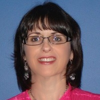 Photo of faculty member Dianne Farina-Sisofo