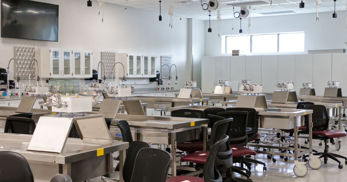 CANR Worrilow Hall Moving Into Redesigned Facility lab space