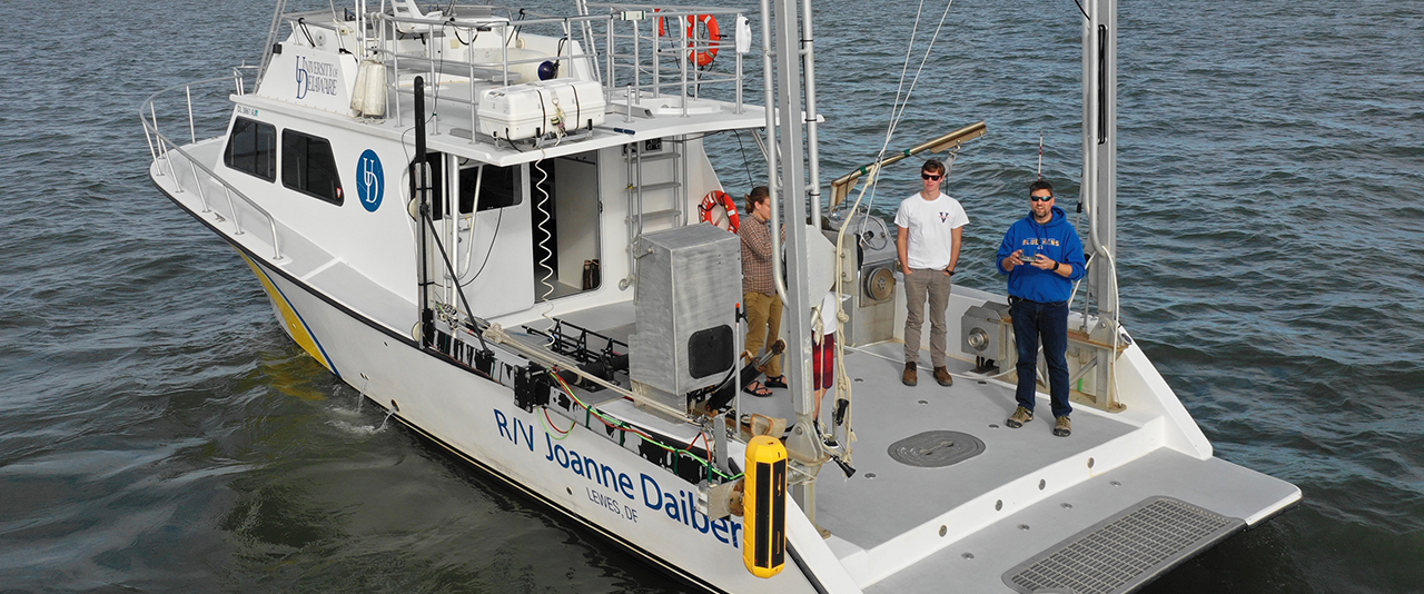 School of Marine Science and Policy researchers and students aboard the R/V  Daiber on the Delaware Bay