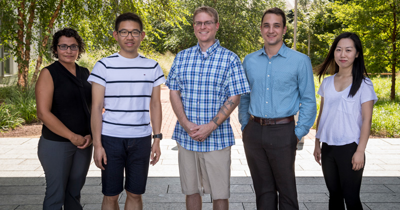 Annual awards recognize top physics doctoral students