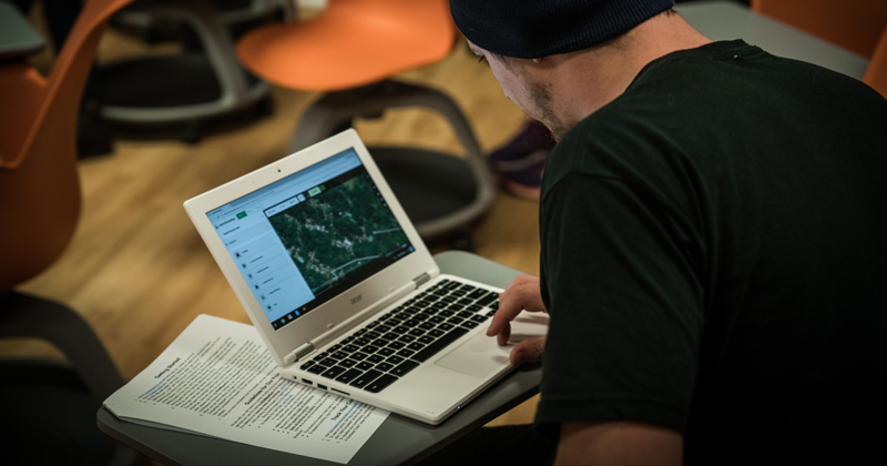 Prospective and admitted students connect with UD online