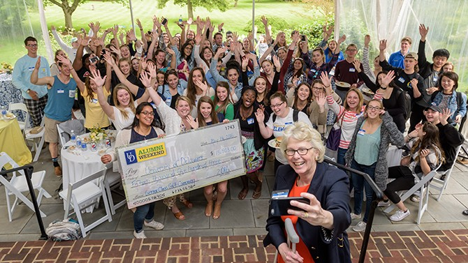 President Targett takes selfie with Senior Class Gift donors