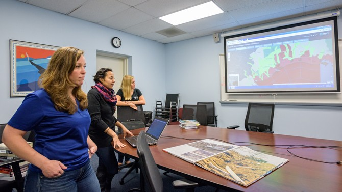 Disaster research team heads to Houston