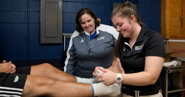 NFL experience for UD student athletic trainer