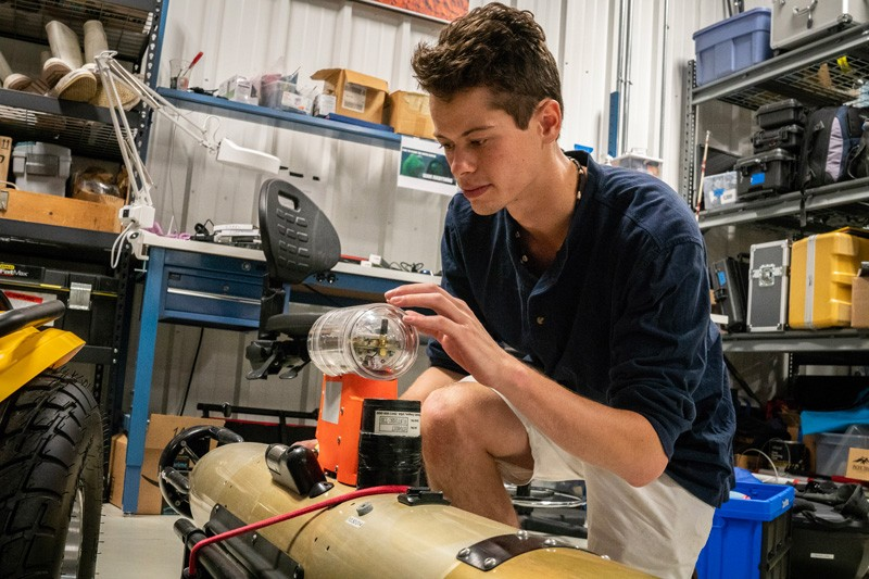 Conner McCrone uses sonar data from an underwater robot, like the one pictured here, to stitch together a picture of the seafloor—called a mosaic. He then uses the mosaic to identify what types of substrates scallops prefer in order to create his seascape model.