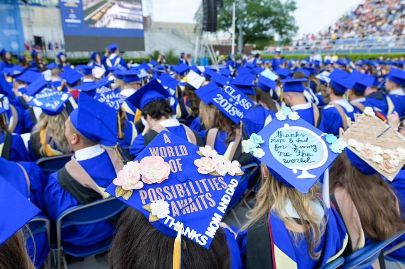 Students hoping to graduate in four years will be helped by a change in the UD rules on the number of credit hours that can be taken per semester.