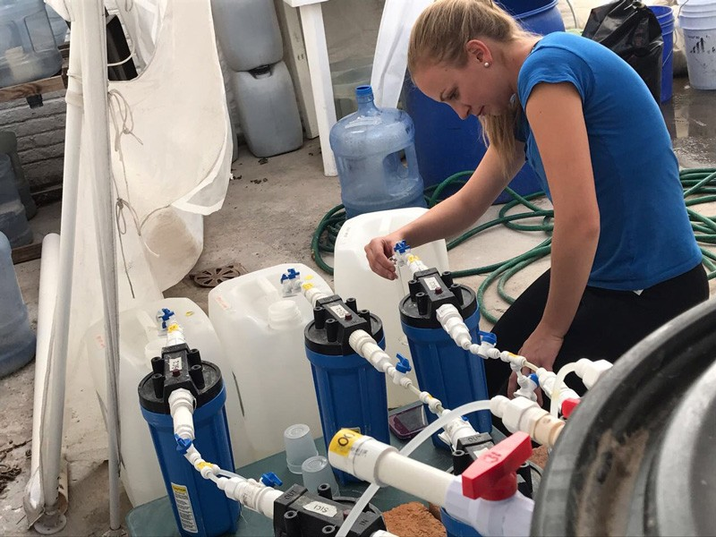UD alumni Sarah Hartman (pictured here) and Melissa Landman have teamed up to work with Mexican non-profit Caminos de Agua to help bring potable water to local communities.