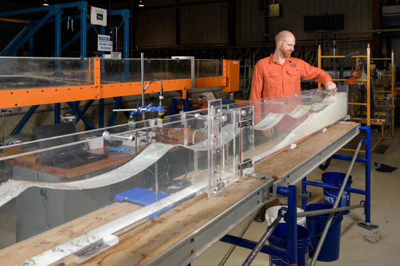 Professor Jack Puleo worked with undergraduate students to construct wave flumes in the Coastal Engineering Laboratory.