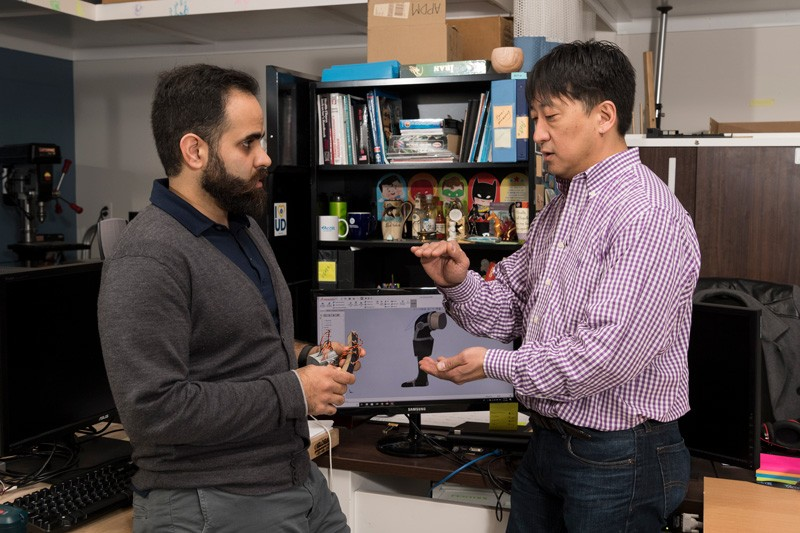 Ahad Behboodi, a UD doctoral candidate and the project principal investigator, and Prof. Samuel Lee discuss how the artificial muscle will function in the proposed medical device.