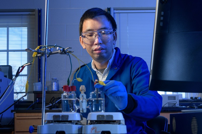 Feng Jiao, an associate professor of chemical and biomolecular engineering and associate director of the Center for Catalytic Science and Technology at UD, in his lab.