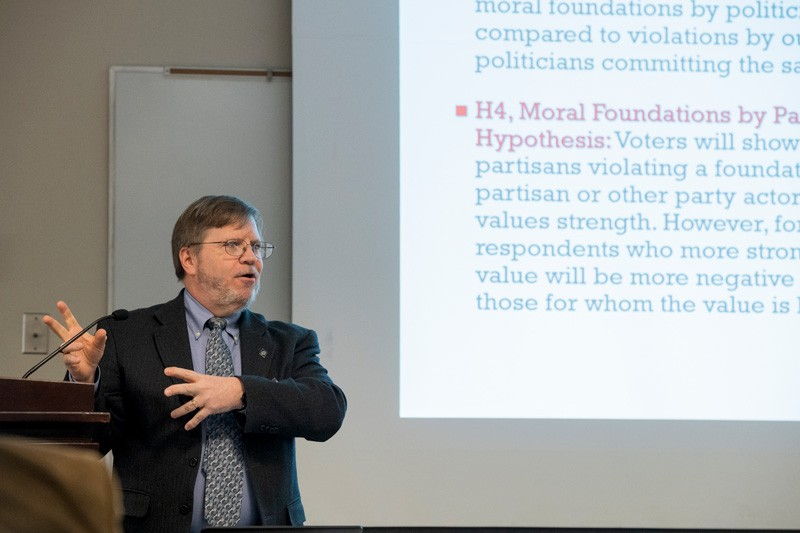 Prof. David Redlawsk explained this scenario in the context of partisanship during the March 5 luncheon for the University of Delaware Association of Retired Faculty (UDARF) in Clayton Hall.