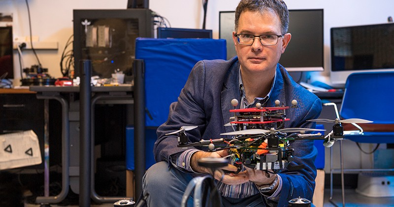 Bert Tanner, a professor of mechanical engineering, leads the new Center for Autonomous and Robotic Systems.